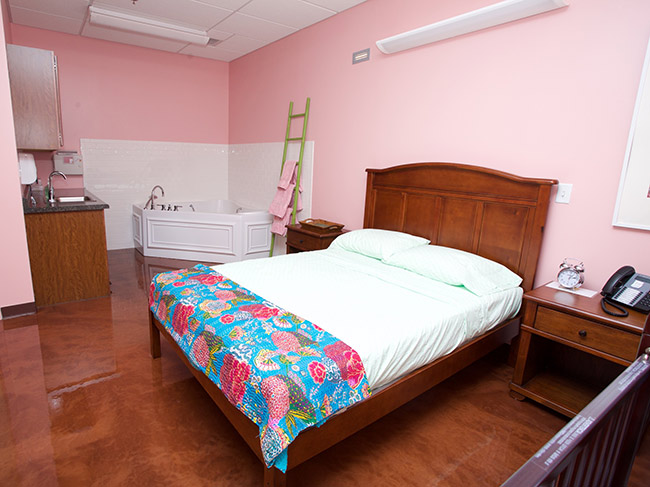 11. pink room Birth center PCC freestanding